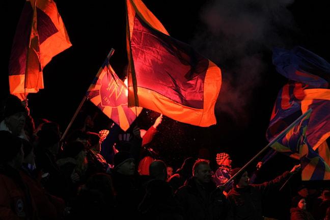 """""""Röda bollen"""" höll igång matchen igenom för sitt lag Nässjö. Foto: Tommy Haag Sveriges Radio"""