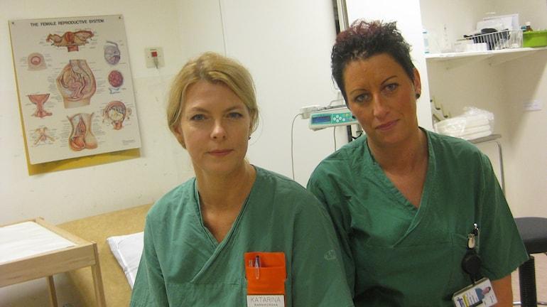 Barnmorskorna Katarina Böwing och Lina Johannesson. Foto: Peter Jernberg/Sveriges Radio.