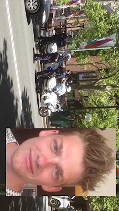 Jakob Fransson från Jönköping i Sydney, där polisen står på gatan. Foto: Jakob Fransson/Privat.