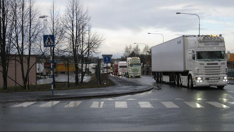 Lastbilsaktionen som inleddes i Jönköping vid lunchtid på lördagen kan vara olaglig. Foto: Simon Björling