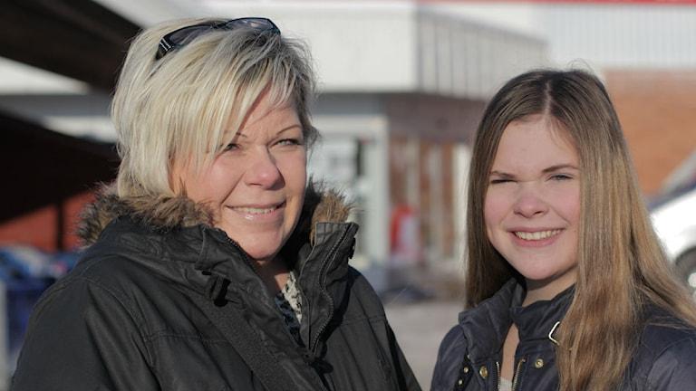 Marie Willstrand och hennes dotter Felicia Petterson. Foto: Jonatan Nilsson/ Sveriges Radio