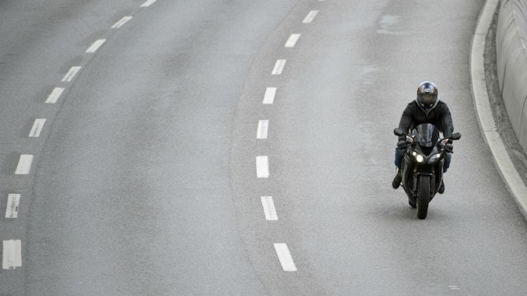 Motorcykel på väg. Foto: Janerik Henriksson/Scanpix.