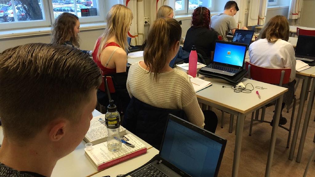 Datorer används i klassrummen. Foto: Anna Cassel/Sveriges Radio.