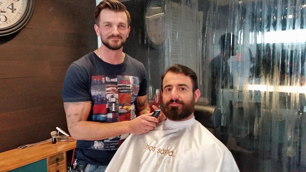 Sasha Omerbasic, barberare. Foto: Elin Ericsson/Sveriges Radio