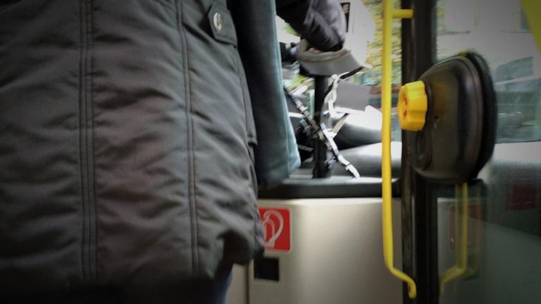 I en buss. Foto: David Westh/Sveriges Radio