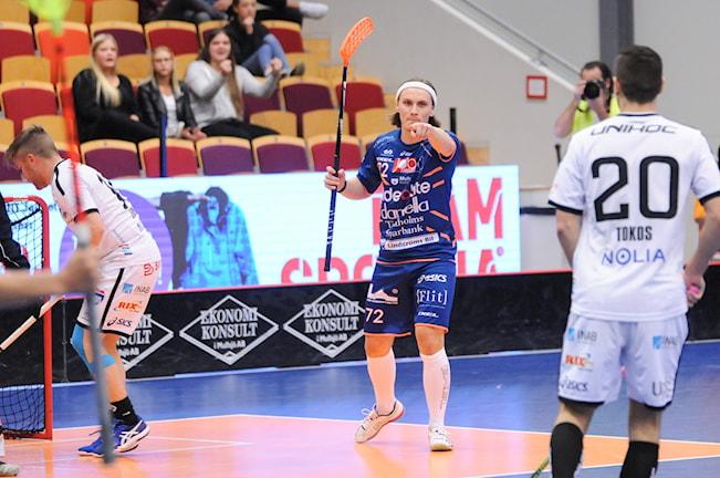 Mullsjös Sebastian Palmqvist gjorde två mål. Foto: Richard Axell Mullsjö AIS
