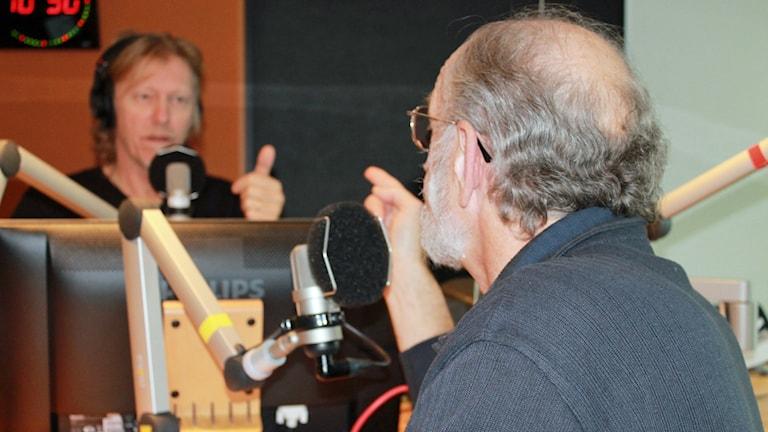 "Bosse ""Bildoktorn"" Andersson och Hasse Pettersson. Foto: David Westh/Sveriges Radio"