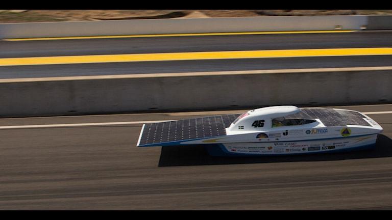 Den solcellsdrivna bilen Solbritt som laget från Jönköping tävlar med.