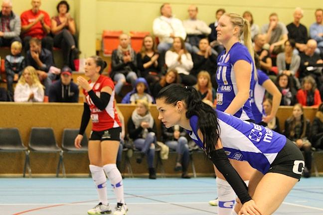 GVK:s Hanna Salomäki (närmast i bild) var en av matchens bästa spelare. Foto: Patrik Bromander/Sveriges Radio