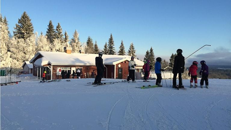 Skidbackarna i Mullsjö har öppnat för säsongen. Foto: Toni Galic/Sveriges Radio