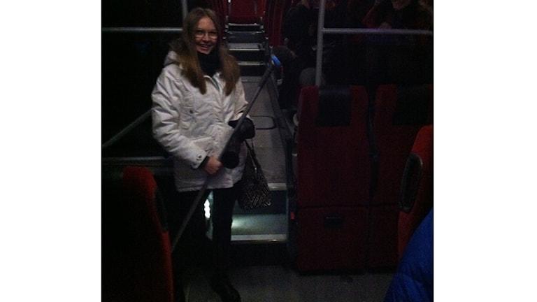Sanna Svärd fick med hjälp av en kvast av musen från bussen. Foto: Privat