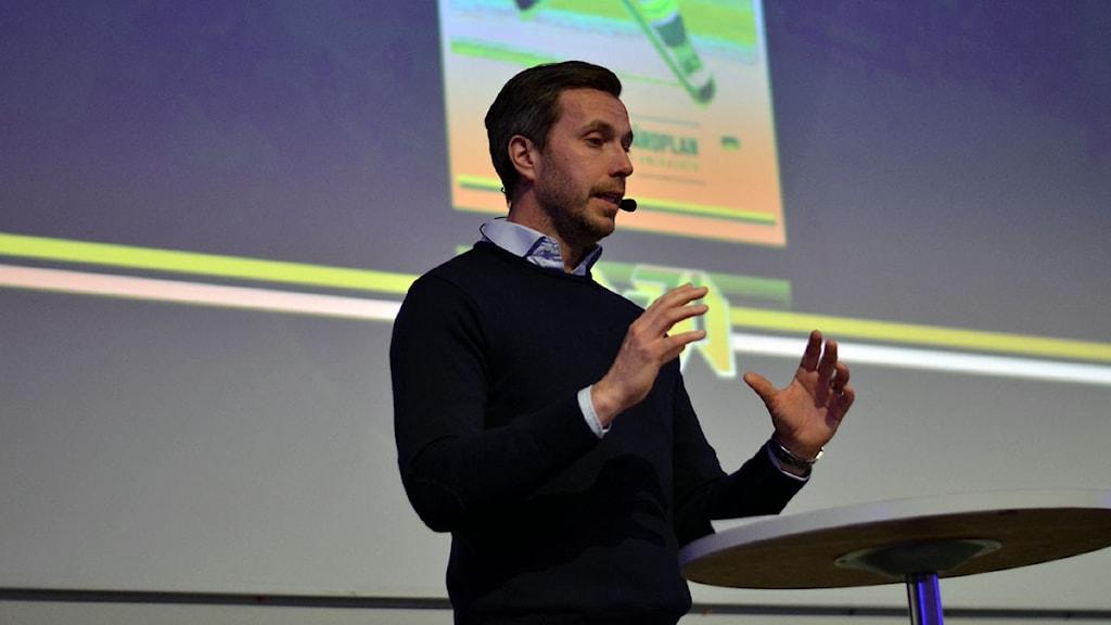 Johan Hult, sportchef i HV71