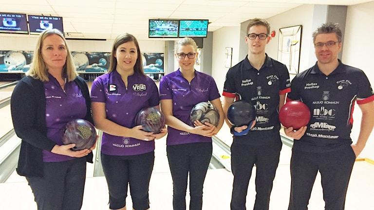 Maria Persson, Sabina Asplund och Ida Asplund från BK Högland och Pontus Andersson och Peter Hellström från Team Clan.