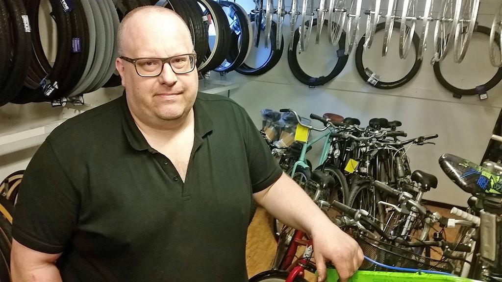 Magnus Arnberg, cykelreparatör.
