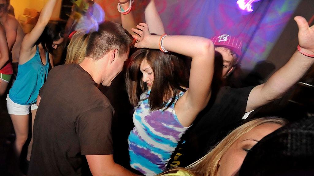 Personer som dansar.