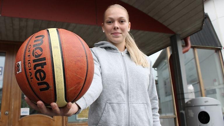 Melina Curiander Basketboll