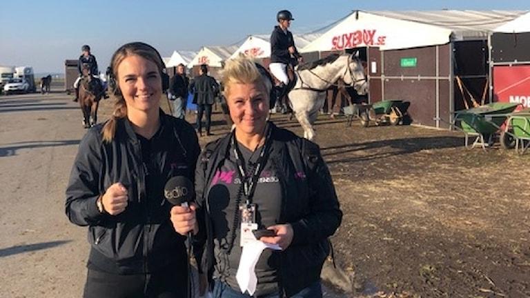 Sofie Carme och Sanna Hermansson är på Elmia scandinavian horse show.