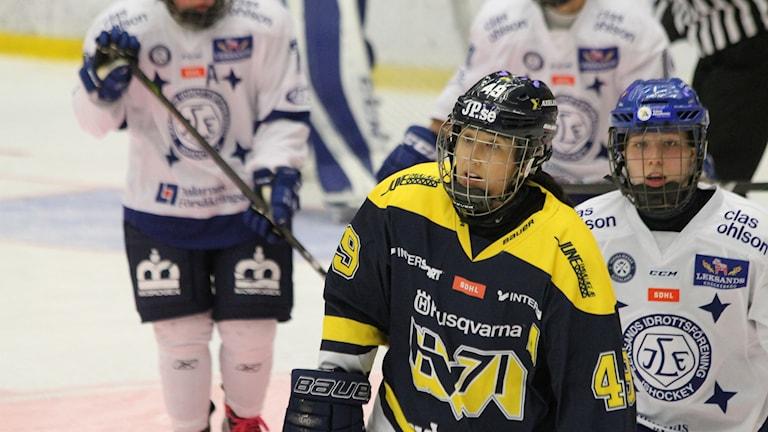 Fannys Rask i HV71 på isen.