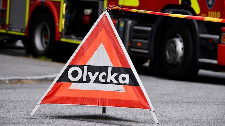 Trekantig varningsskylt om en olycka.