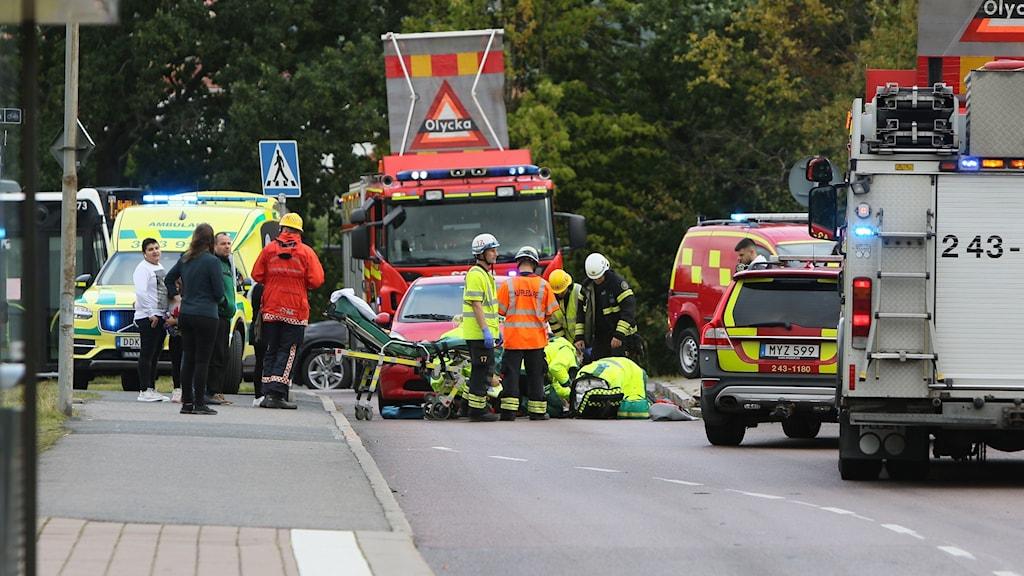 Person förd till sjukhus efter olycka med elscooter.