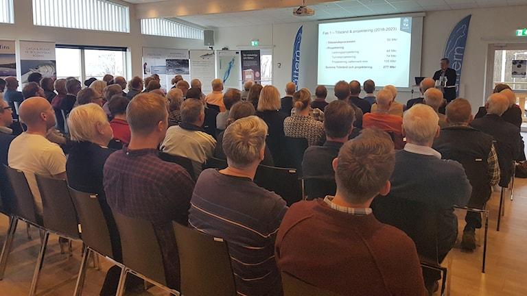 Vätternvårdsförbundet som samlats i Huskvarna för att diskutera Vätterns framtid.