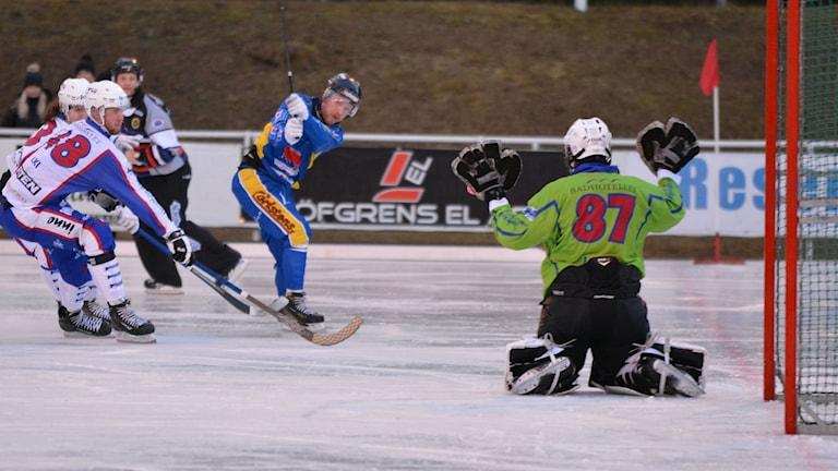 Grigory Lapin räddar för Tranås