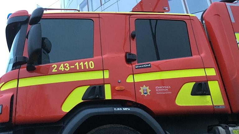 Sidan på en brandbil.