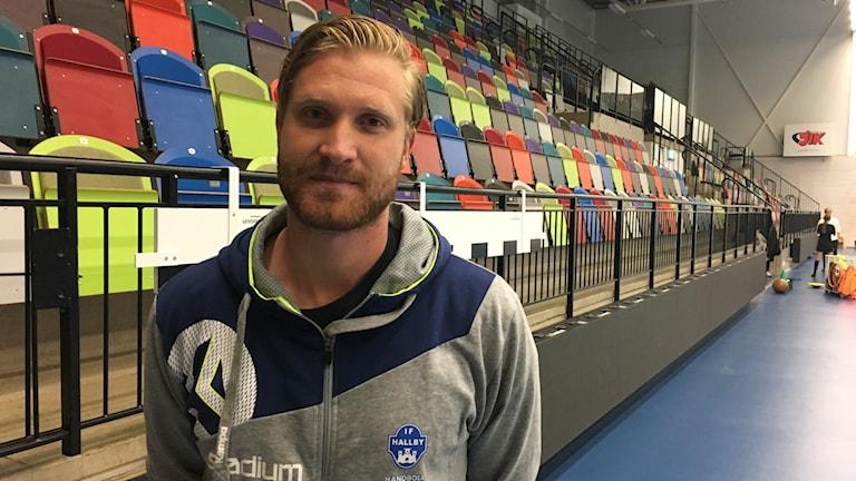 Jesper Östlund tränare i Hallby.
