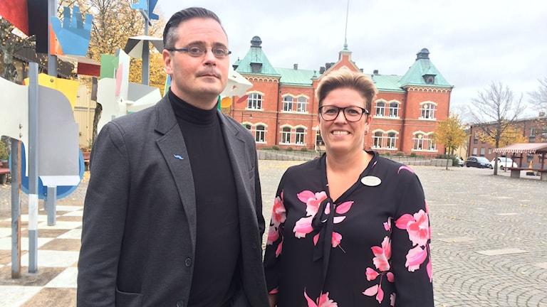 Thomas Åkesson, socialsekreterare och samordnare för socialjouren och Heidi Skov Ragnar som är chef för medborgarförvaltningen i Värnamo.