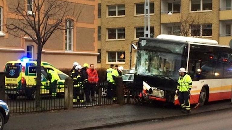 En buss krockade i centrala Jönköping