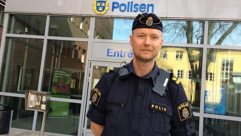 Christian Pantzar, yttre befäl vid polisen i Jönköping. Foto: Emma Johansson/Sveriges Radio.