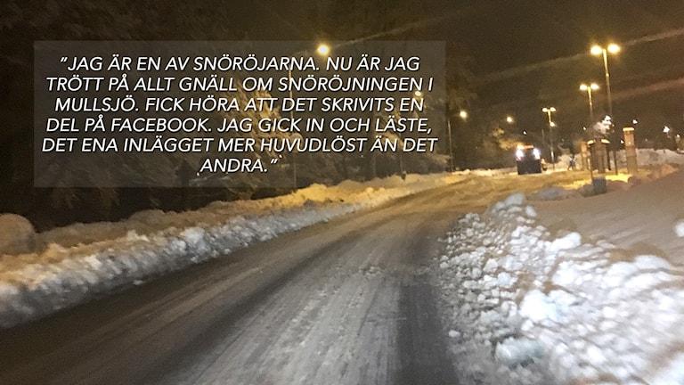 En snöig väg med en inklippt text på.