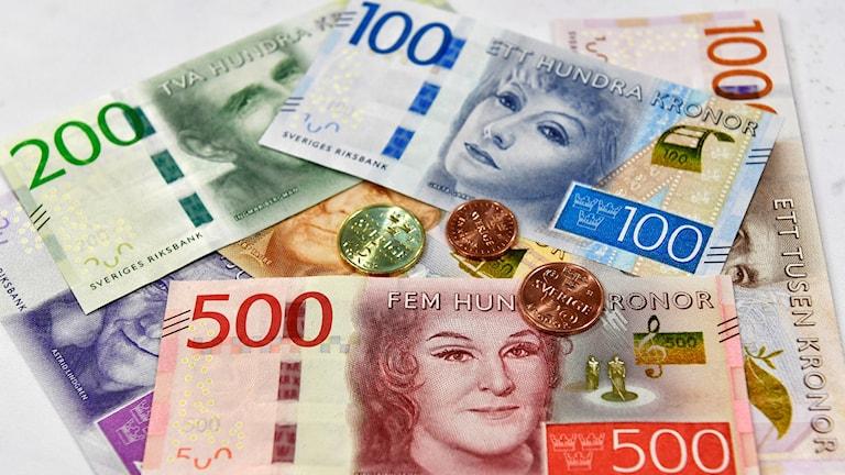 Kontanter sedlar mynt