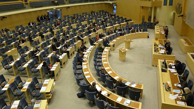 Budgetdebatten i Riksdagen med ledamöter i plenisalen
