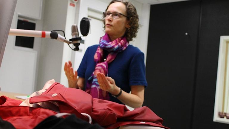 Gudrun Bremle bedömer kläder