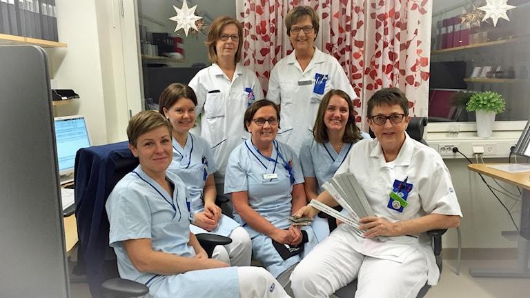 Hematologmottagningen, sjuksköterska Caroline Eng med kollegor!