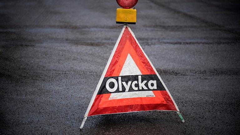En varningsskylt för olycka.