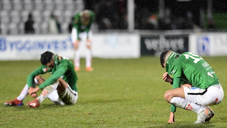Jönköpings Alexander Jallow deppar efter 2-2 i söndagens fotbollsmatch i superettan mellan Jönköpings Södra IF och IF Brommapojkarna på Stadsparksvallen.