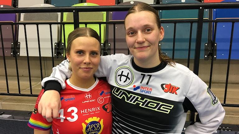 Moa Jakobsson och Sofia Blixt i Jönköpings innebandyklubb, JIK.