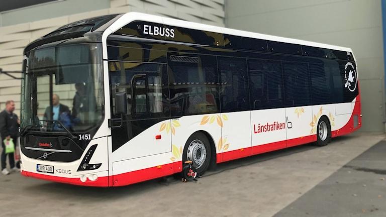 Bild på elbuss.