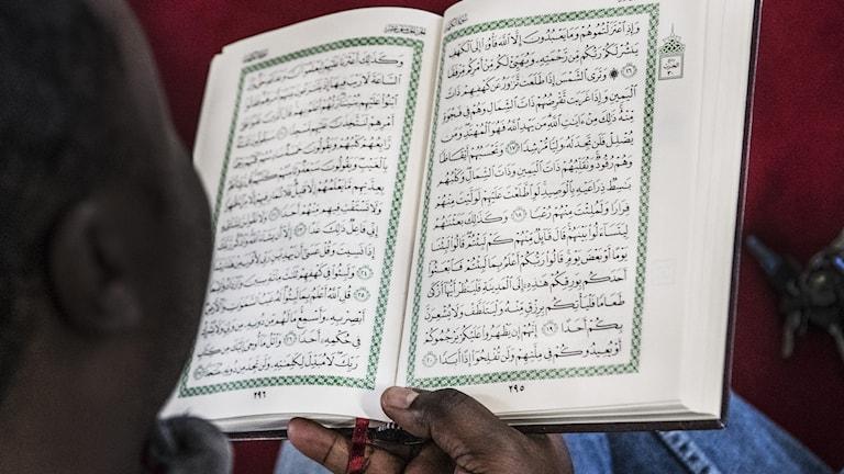 Man med koranen.