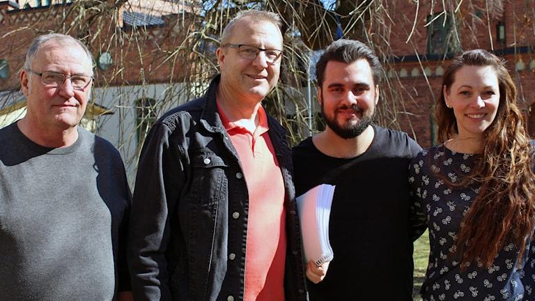 Regissören Gunnar Forsell, körledaren Sören Gustafsson, Filip Morel som spelar Jesus och Jenny-Maria Boij som spelar Magdalena Maria.