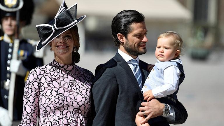 Sofia och Carl Philip med prins Alexander