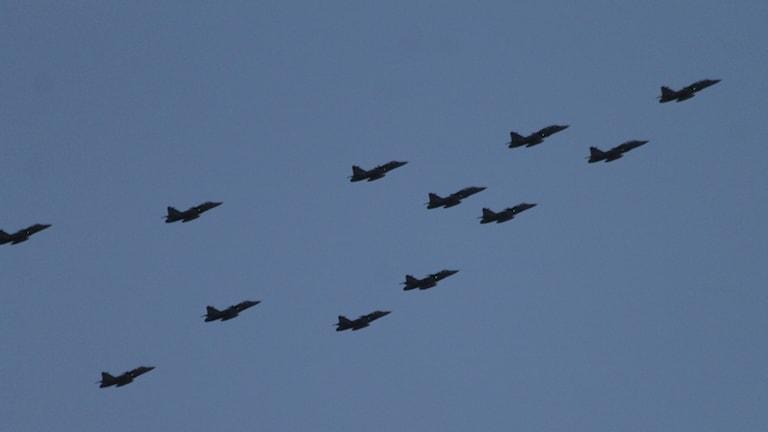 Jas-plan i formationsflygning.