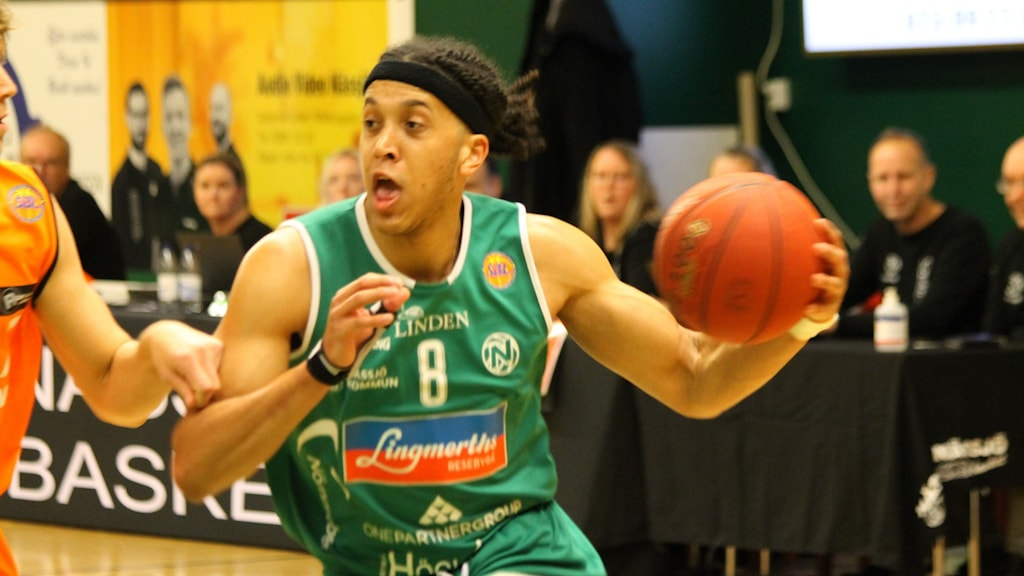 Keenan Gumbs i Nässjö basket.