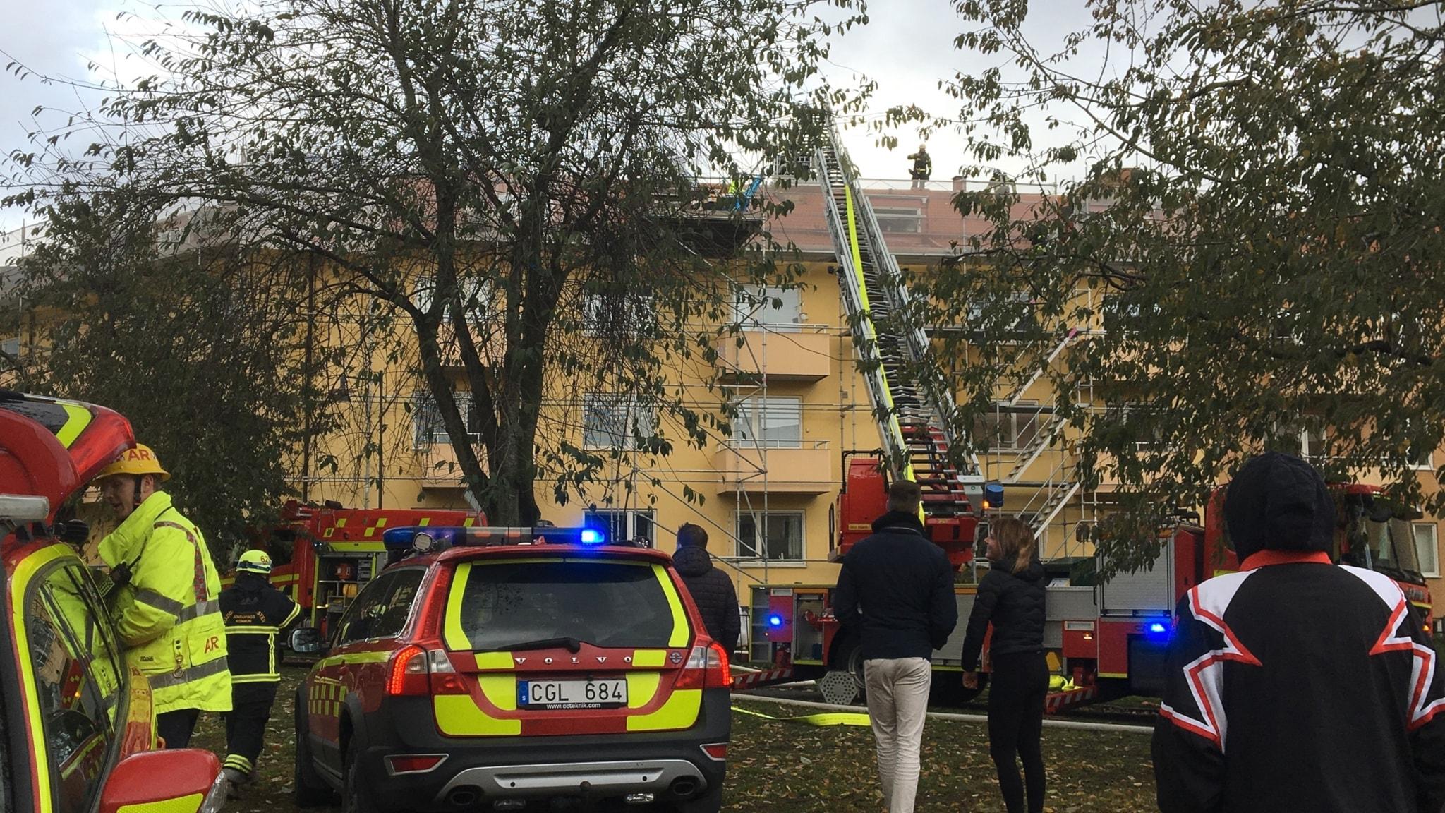 20 tal evakuerade efter kraftig brand