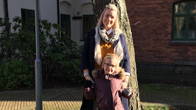 Emma Holm med dottern Lycke