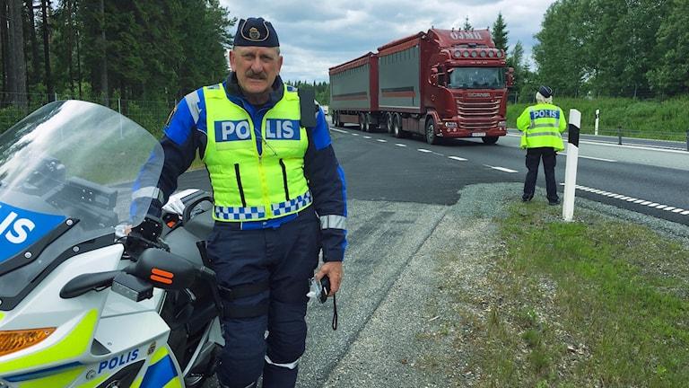 Trafikpolis Peter Karlsson.