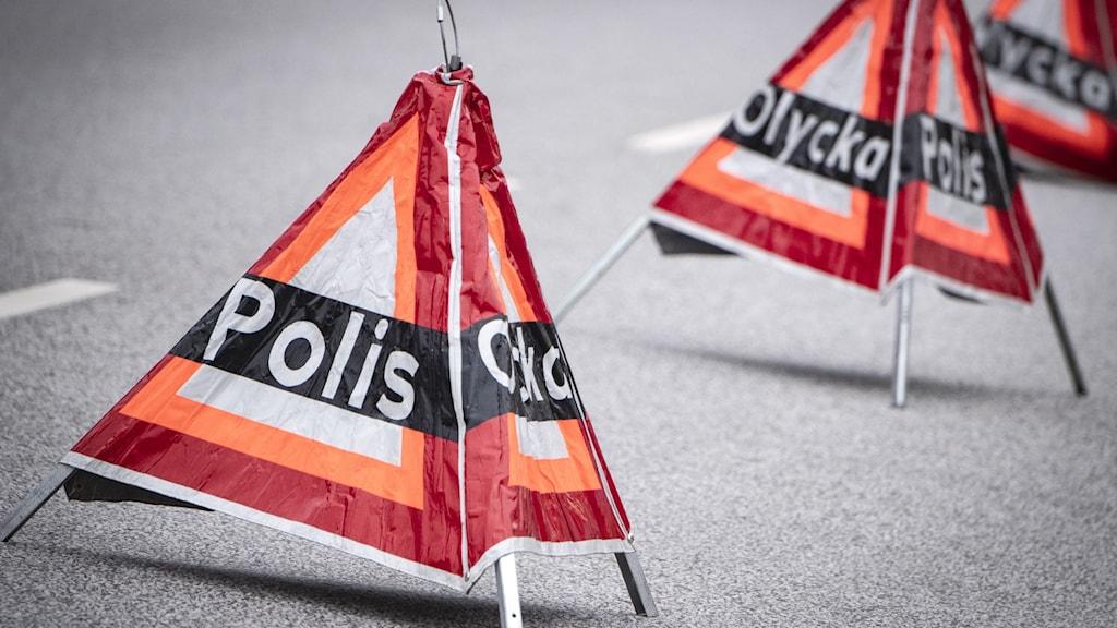 Varningsskyltar för polis och olycka