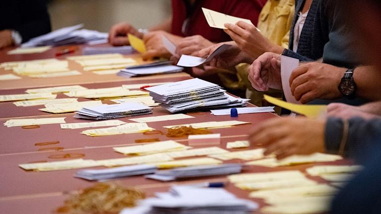 Rösträkning.